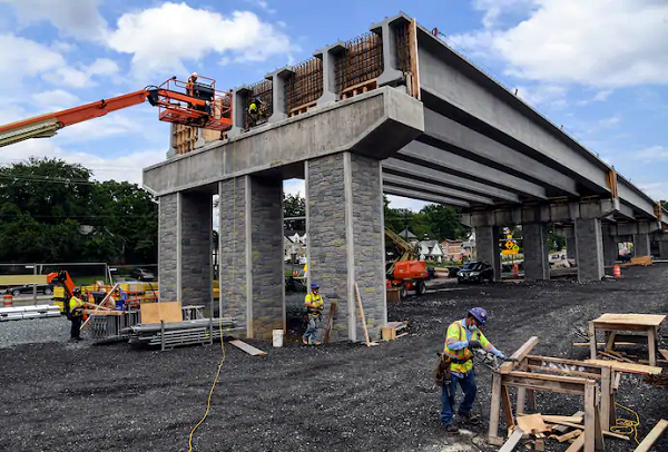 Maryland, Purple Line firms reach $250 million deal to keep project moving