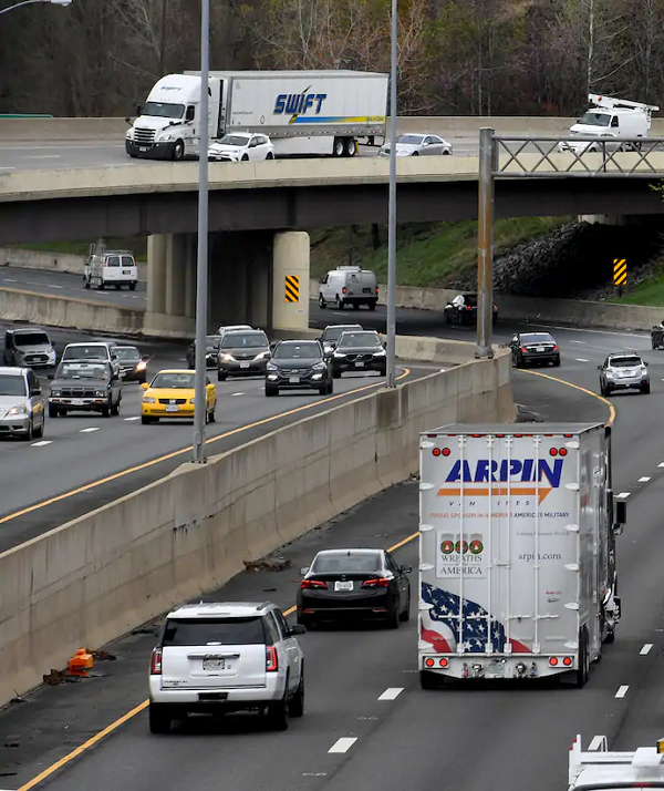 Traffic flows along interchanges that link Interstates 495 and 270 in 2018 in in Bethesda.